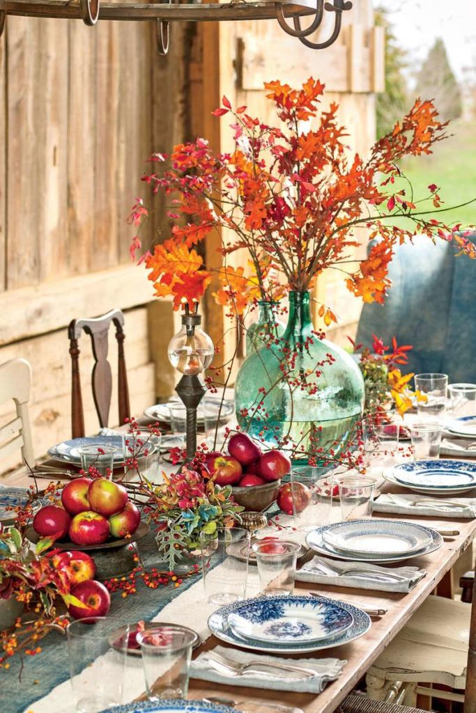 Beautiful Thanksgiving Harvest Table Decor To Be Thankful For
